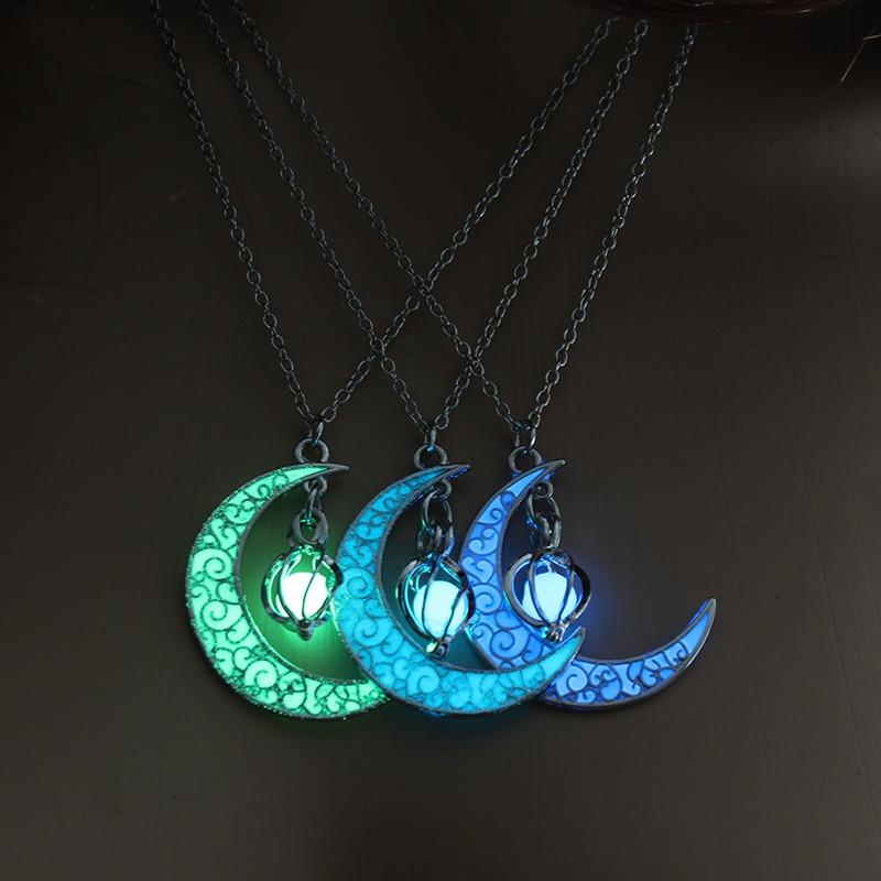 Collar Luna Luminosa Brilla En La Oscuridad Cuarto Menguante
