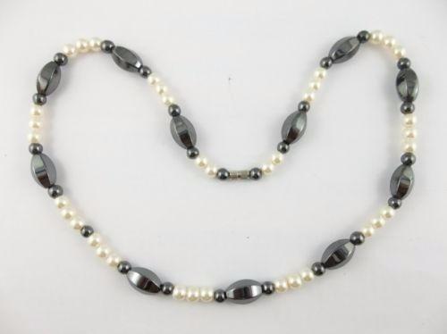 97a1bd4c97b2 Collar Magnetico Hematita Negra Y Perlas Blancas Para Mujer ...