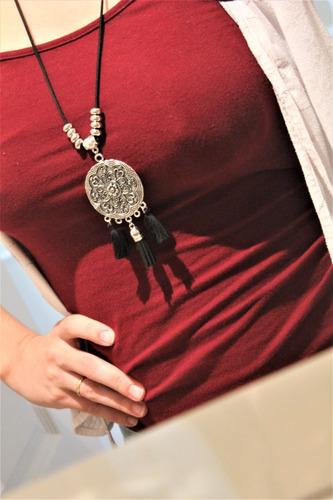 collar *mandala*