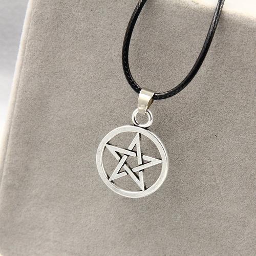 collar pentagrama