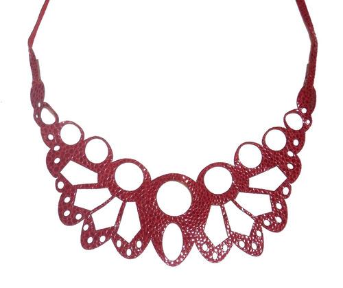 collar puntilla (rosado)