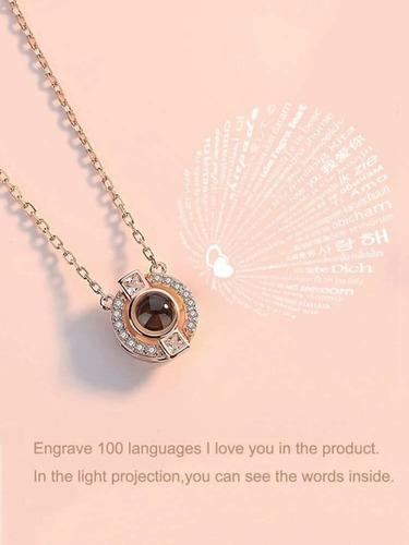 collar que refleja te amo en 100 idiomas diferentes