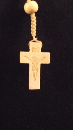 collar rosario elaborado y tallado en madera precioso