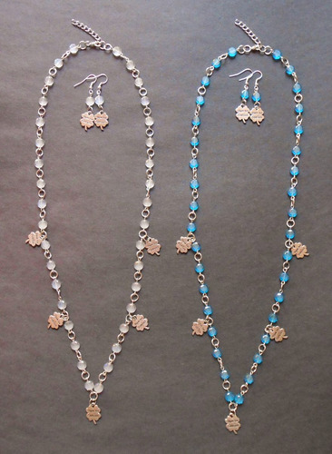 collar y aretes pastilla cristal en azul y blanco con trebol