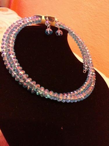 collar y aretes rosa palo o azul celeste
