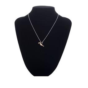 0ab410e0a648 Collar Cadena Dije Figura De Mujer En Columpio Color Oro