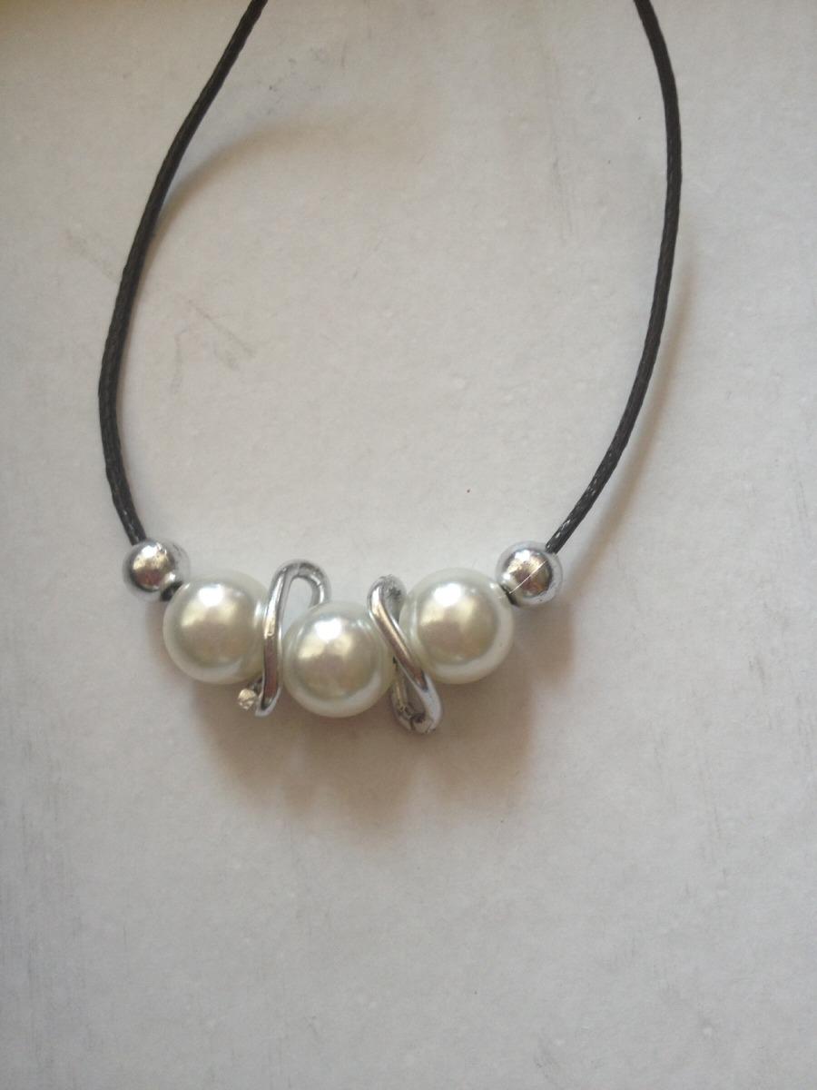 223f296ed5ec collares cuero negro con perlas y dijes surtidos. Cargando zoom.