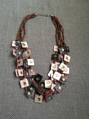 collares de mostacilla diferentes diseños y zarcillos nuevos