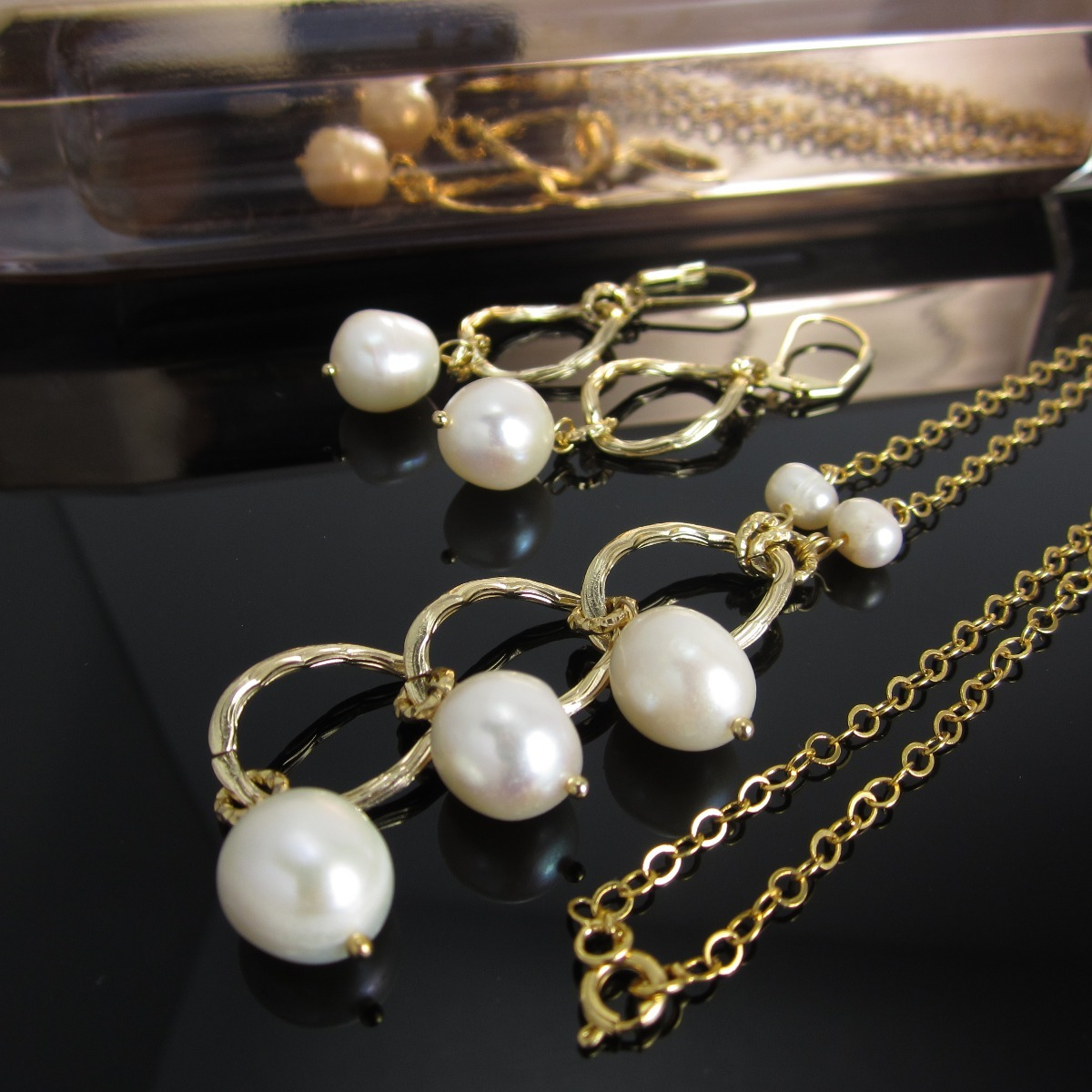 63703ff070f8 collares mujer cascada perlas cultivadas baño oro joyas. Cargando zoom.