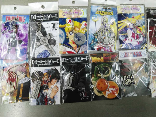 collares y llaveros de superheroes, peliculas, manga, etc.