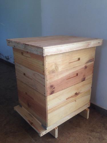 colmenas para abejas (apicultura).
