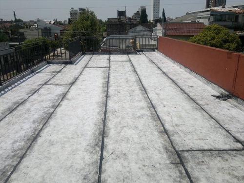 colocación de membrana en la plata. geotextil antigranizo