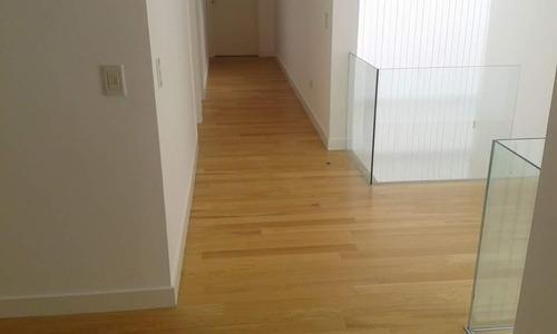 colocacion de pisos flotantes ,vinílicos y zócalos