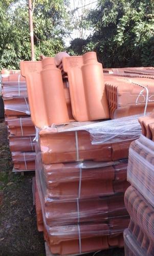 colocación de todo tipo de tejas en madera o plancha