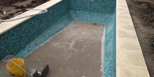 colocación de venecitas en pileta o piscina mano de obra