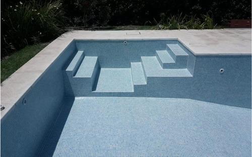 colocacion de venecitas en piscinas pintadas o nuevas