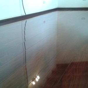 colocación instalación de piso flotante,vinilicos  y zócalos