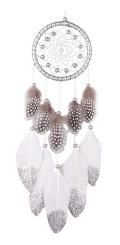 color plata perla atrapasueños con plumas colgando de la