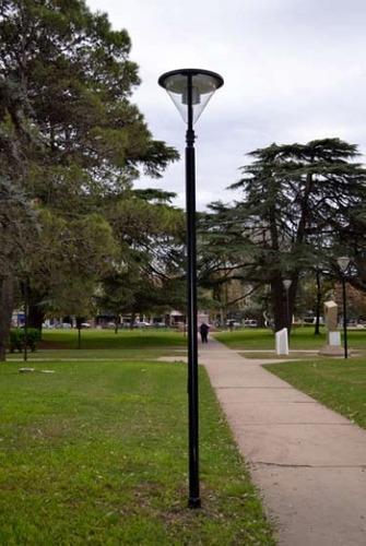 columnas de alumbrado, cámaras de seg, mástiles y semáforos