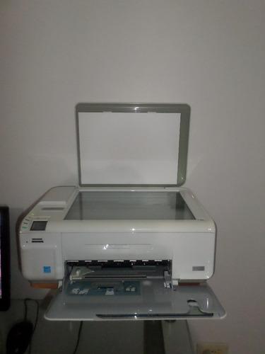 combo computadora impresora monitor y mesa