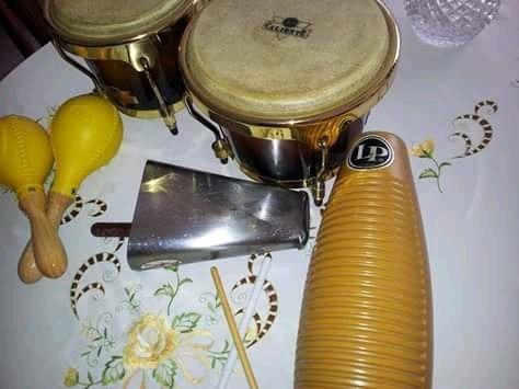 combo de bongo caliente, guiro, campana y maracas lp