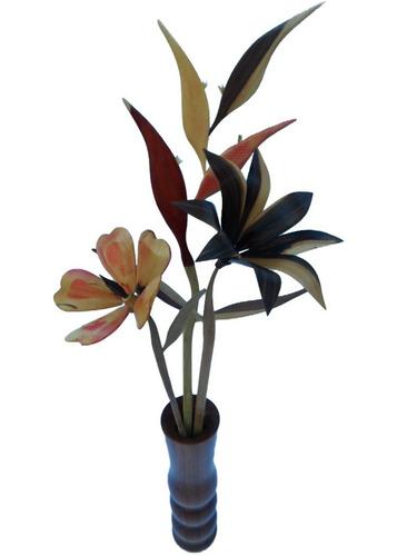 combo de flores con su florero de maderas artesanía de lara