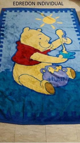 combo edredon + toalla + sabana winnie the pooh. usados