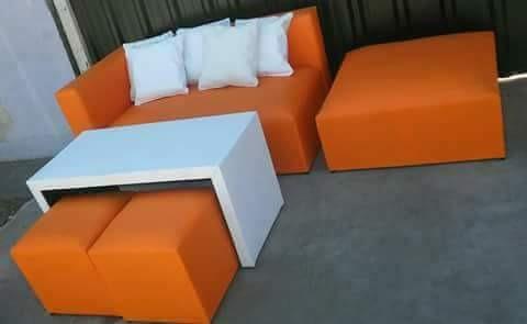 combo esquinero: sillón + camastro + mesa  + 2 puff