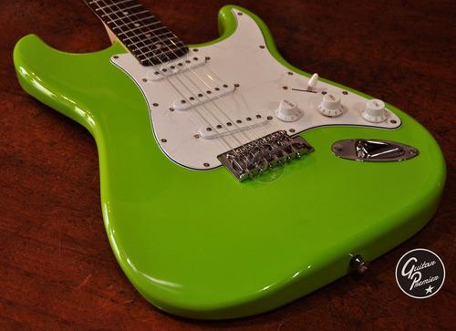 combo guitarra electrica rock + amplificador 10 w accesorios