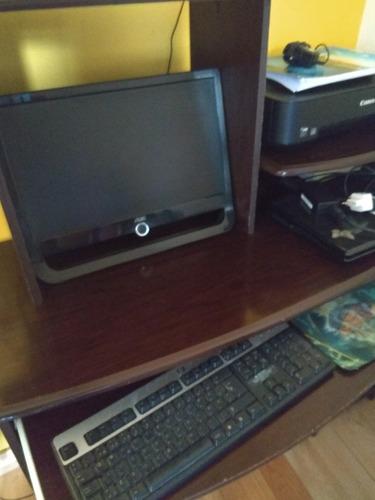 combo informático monitor, teclado,impresora y escritorio