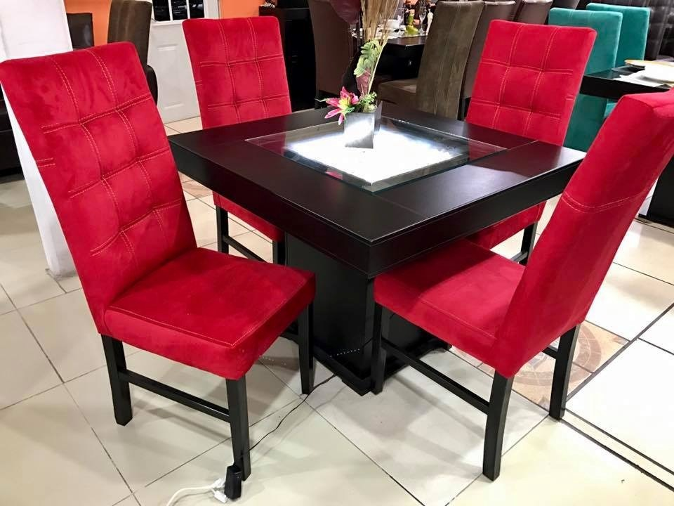 Comedor 4 sillas moderno minimalista decorado de piedra for Comedor 4 sillas madera