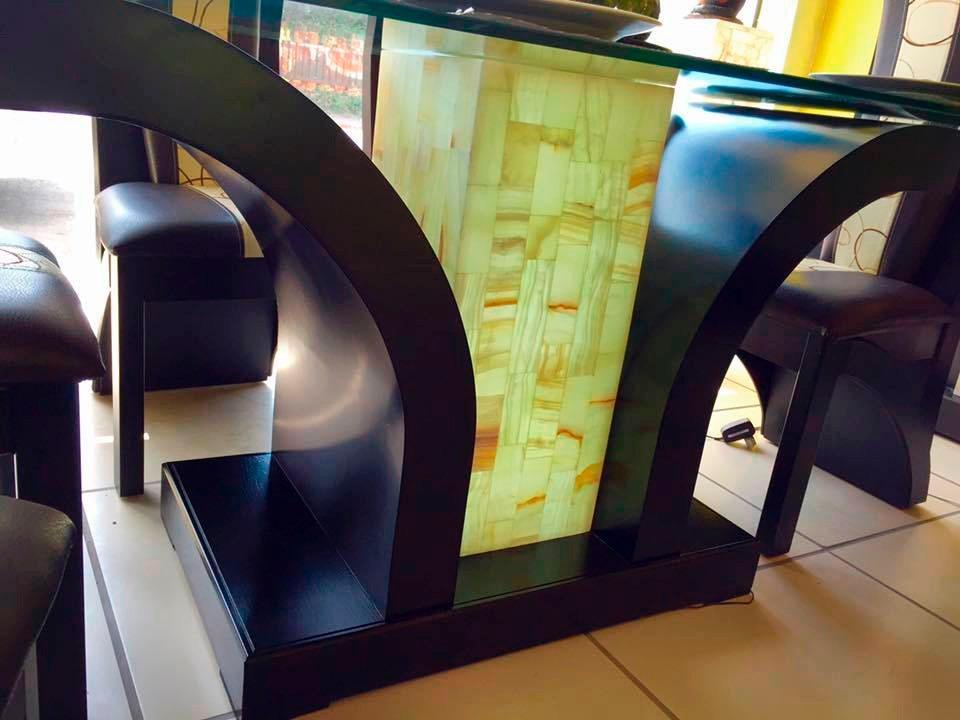 Comedor 6 sillas moderno minimalista mesa vidrio templado for Comedor 6 sillas moderno