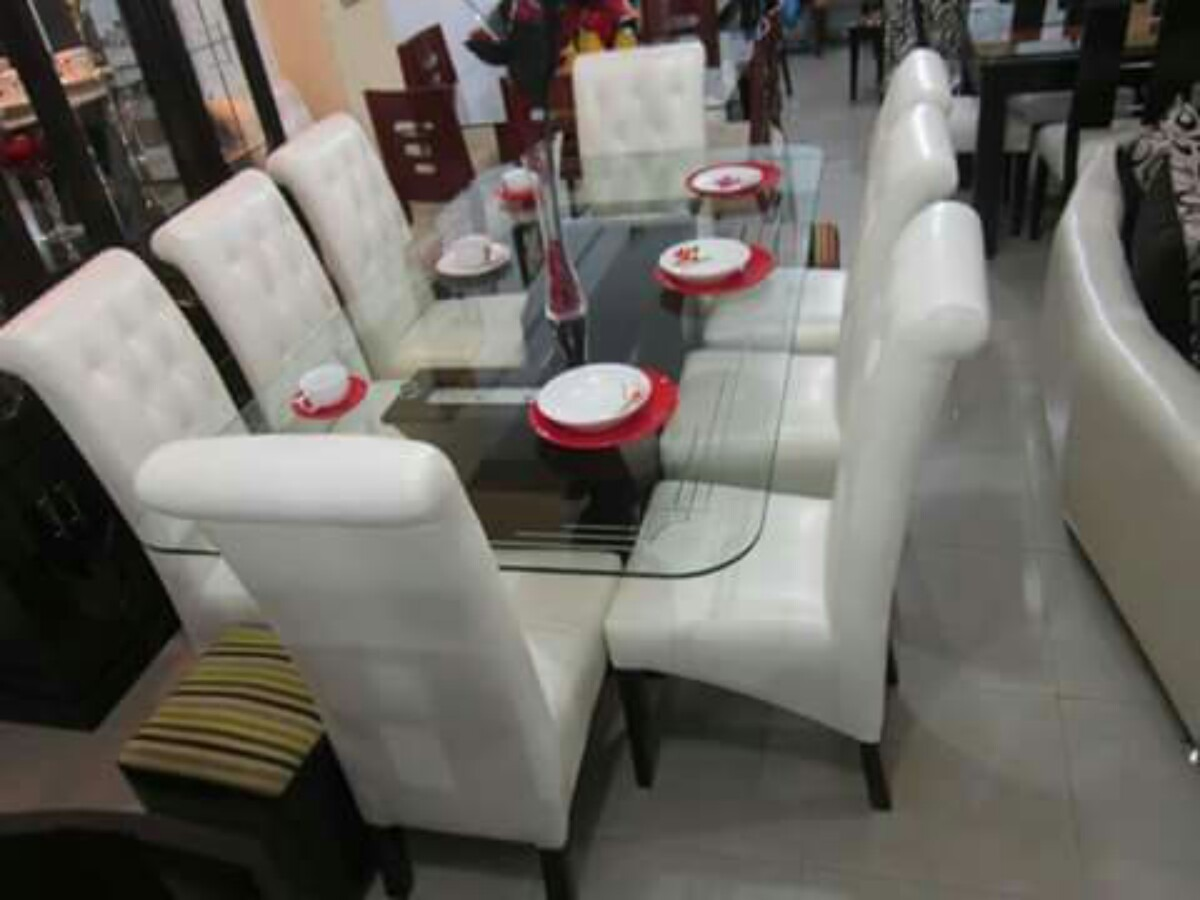 Comedor 8 sillas tapizados en acabado parafinico 1800 s for Comedores tapizados