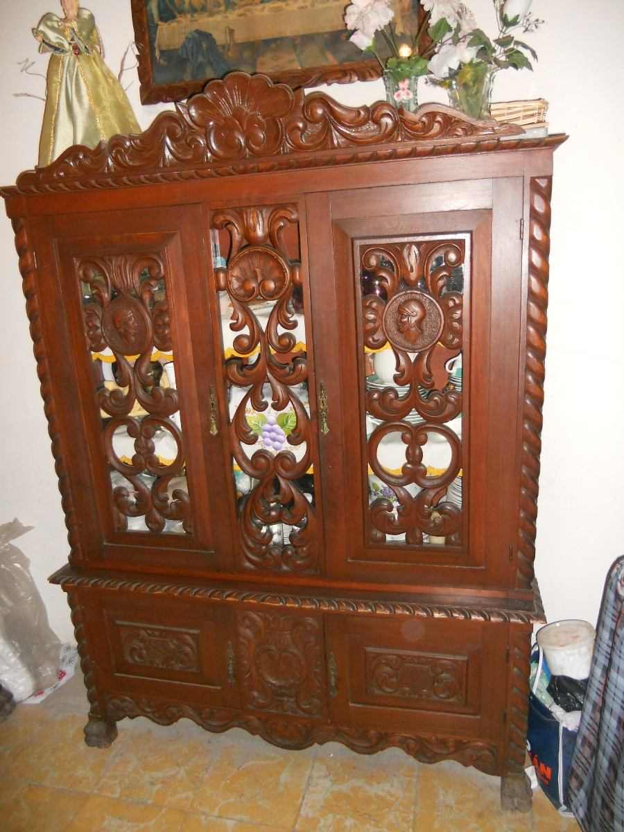 Comedor antiguo de 1940 de cedro se vende por partes for Muebles de comedor antiguos