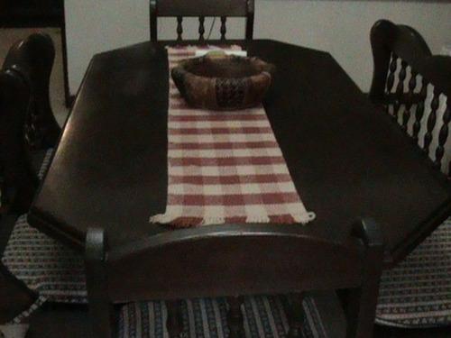 comedor  completo de madera caoba ,