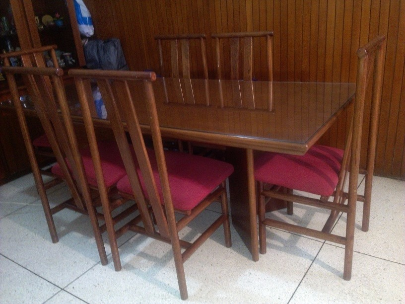 Comedor de madera nogal desarmable 6 sillas bs for Comedor 6 sillas usado