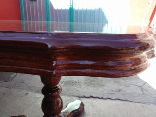 comedor de madera tallada