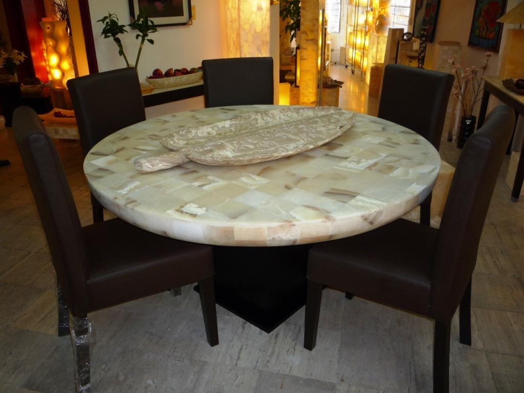 Comedor de onix mesas cubiertas comedores de piedra for Comedores mesas