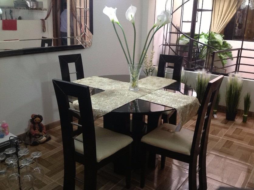 Comedor en madera tornillo de 4 sillas a 699 soles s for Fabricantes sillas peru