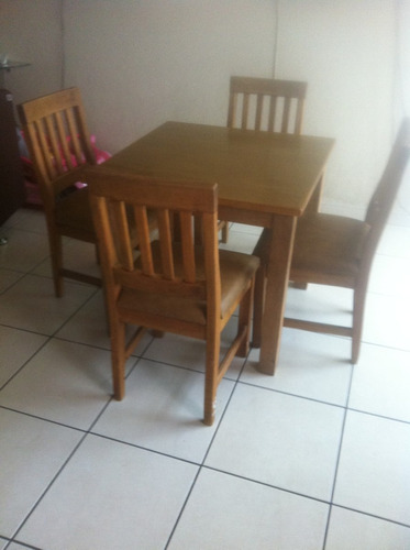 Comedor madera 4 sillas madera de calidad 2 en mercado libre for Comedor 4 sillas madera