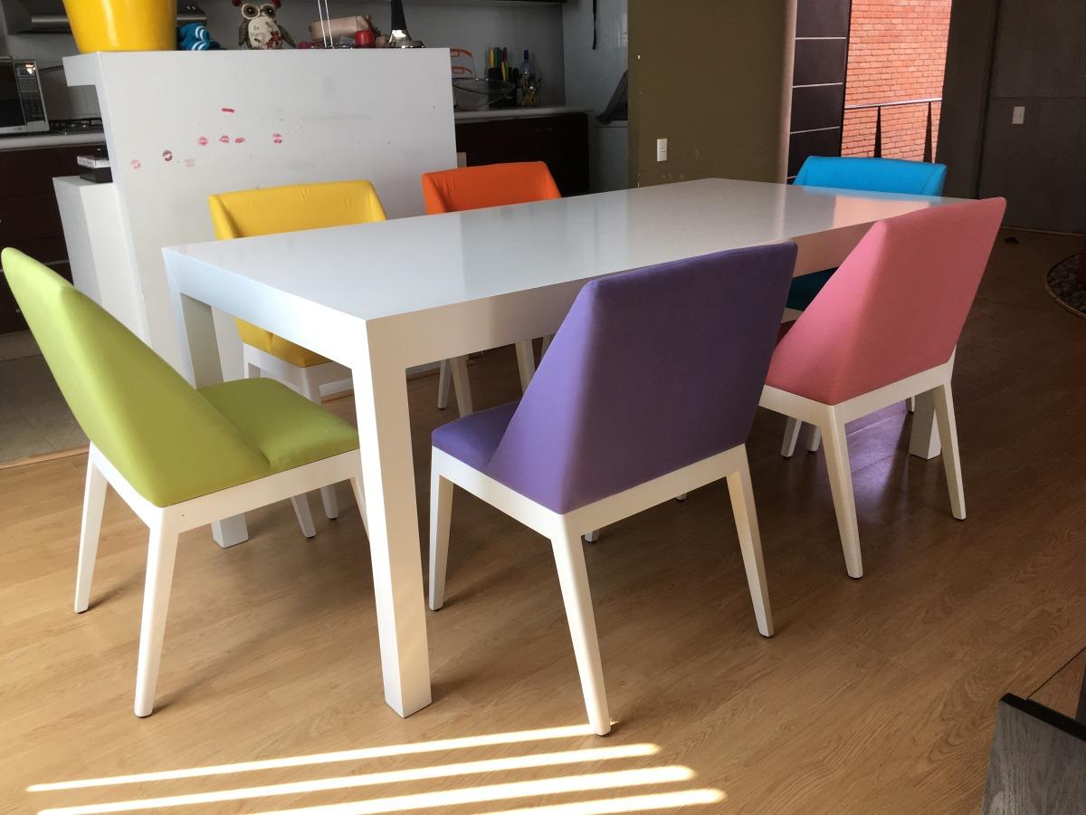 Comedor moderno mesa blanca y sillas de colores 33 000 for Comedor sillas colores