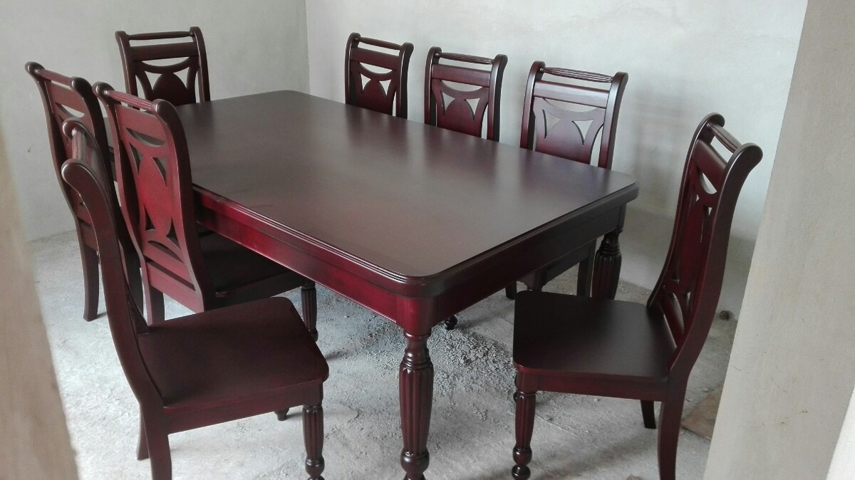 Comedor para 8 sillas en madera de cedro 30 en for Comedor ovalado de madera