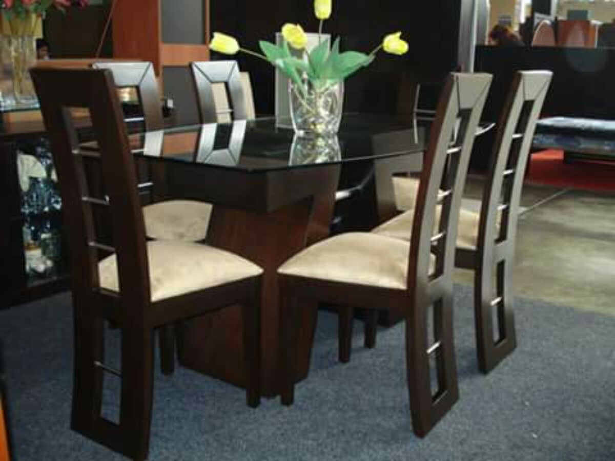 Comedores de 6 sillas en madera tornillo a 999 soles Comedores de madera redondos modernos