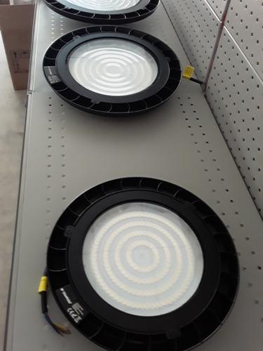 comercialización de iluminación led profesional.