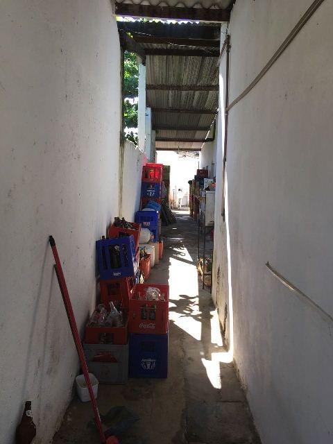 comercio com moradia lado praia tendo 5 suítes