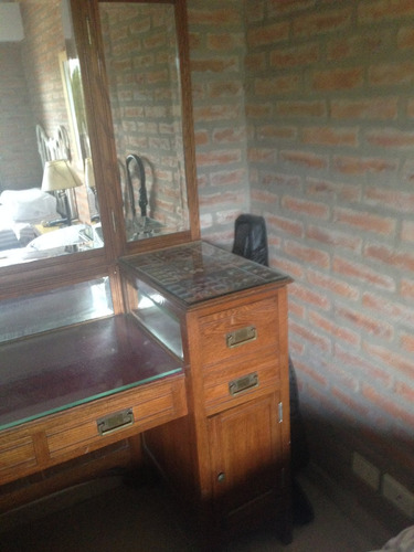 comoda antigua con alzada de roble macizo y espejos biselado