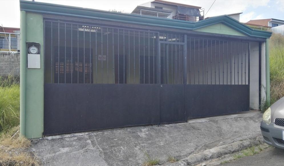 cómoda casa de habitación en zona residencial
