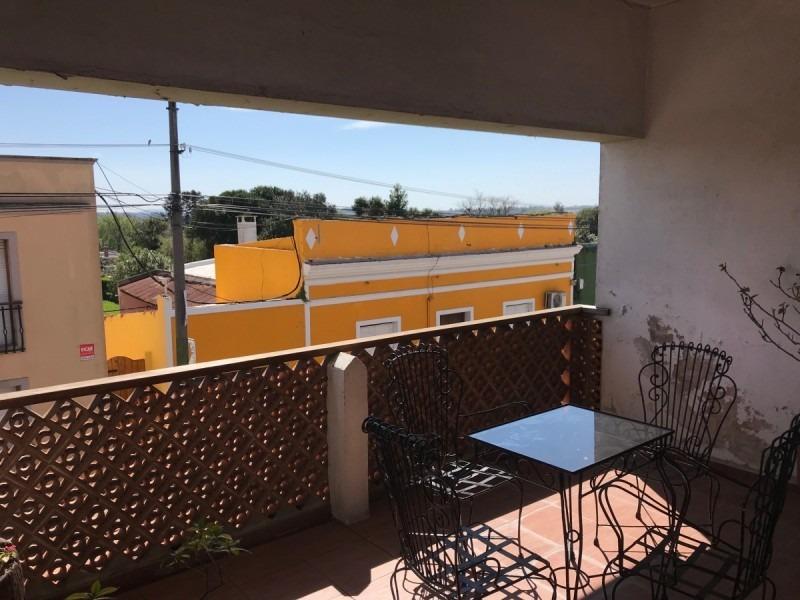 cómoda casa de tres dormitorios en el centro de san carlos- ref: 280