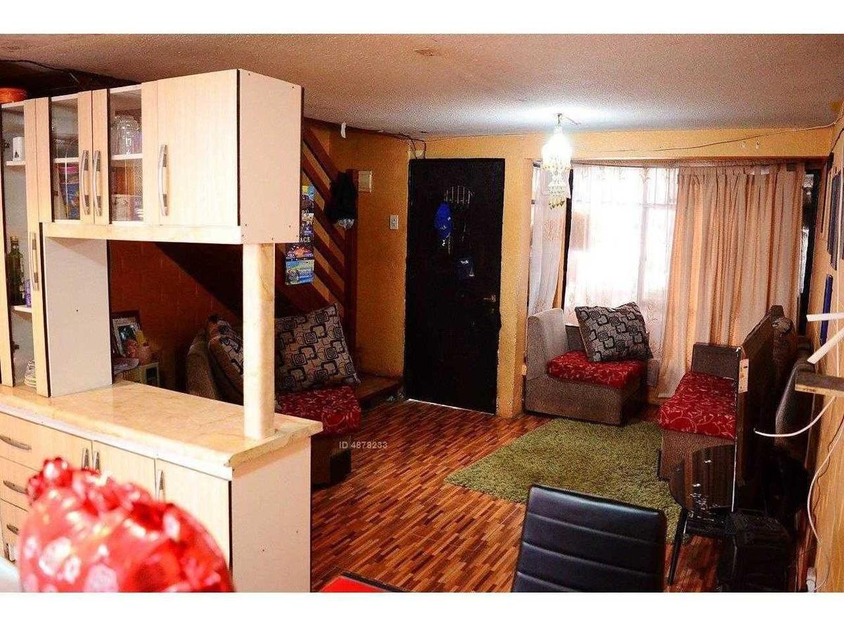 cómoda casa en regimiento buin