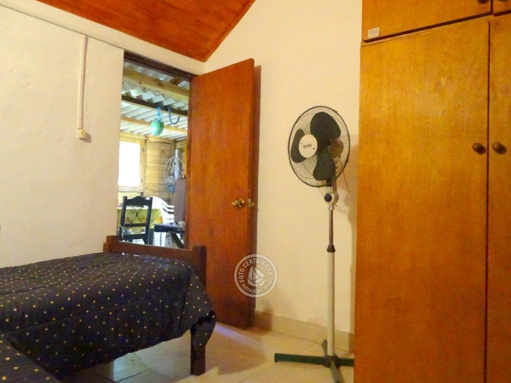 comoda casa para 4 personas con dos dormitorios.